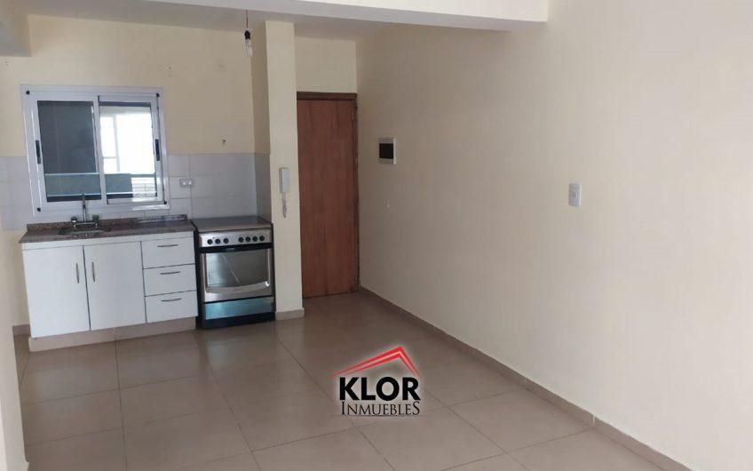 Depto de 1 Dormitorio con balcón en calle Urquiza esq. 9 de Julio